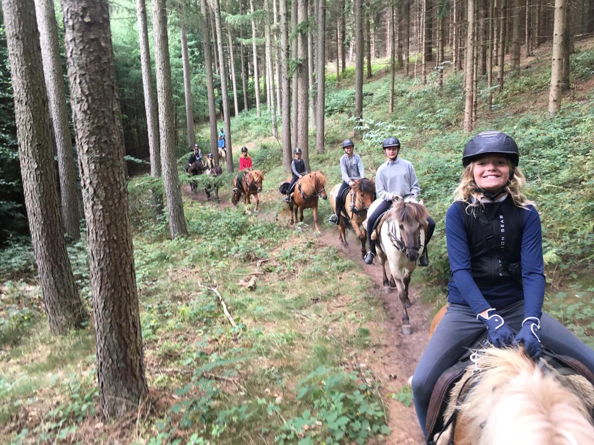 Ridelejren i uge 27 på tur i Istidslanskabet