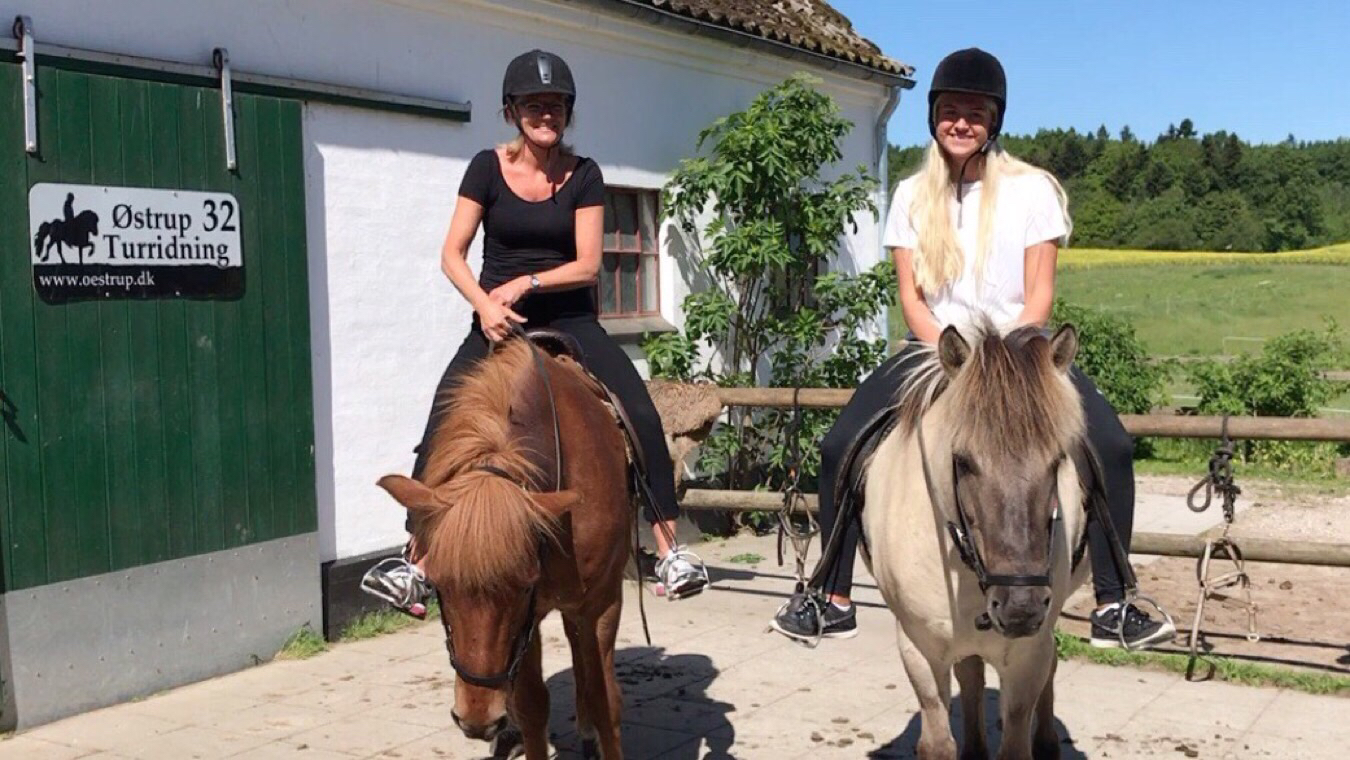 Helle og hendes datter på to timers tur til Svanninge Bakker