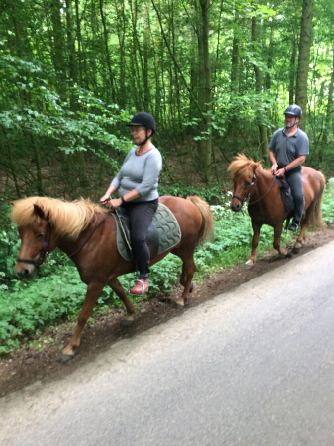Bodil og John på 3 timers tur til Svanninge Bakker