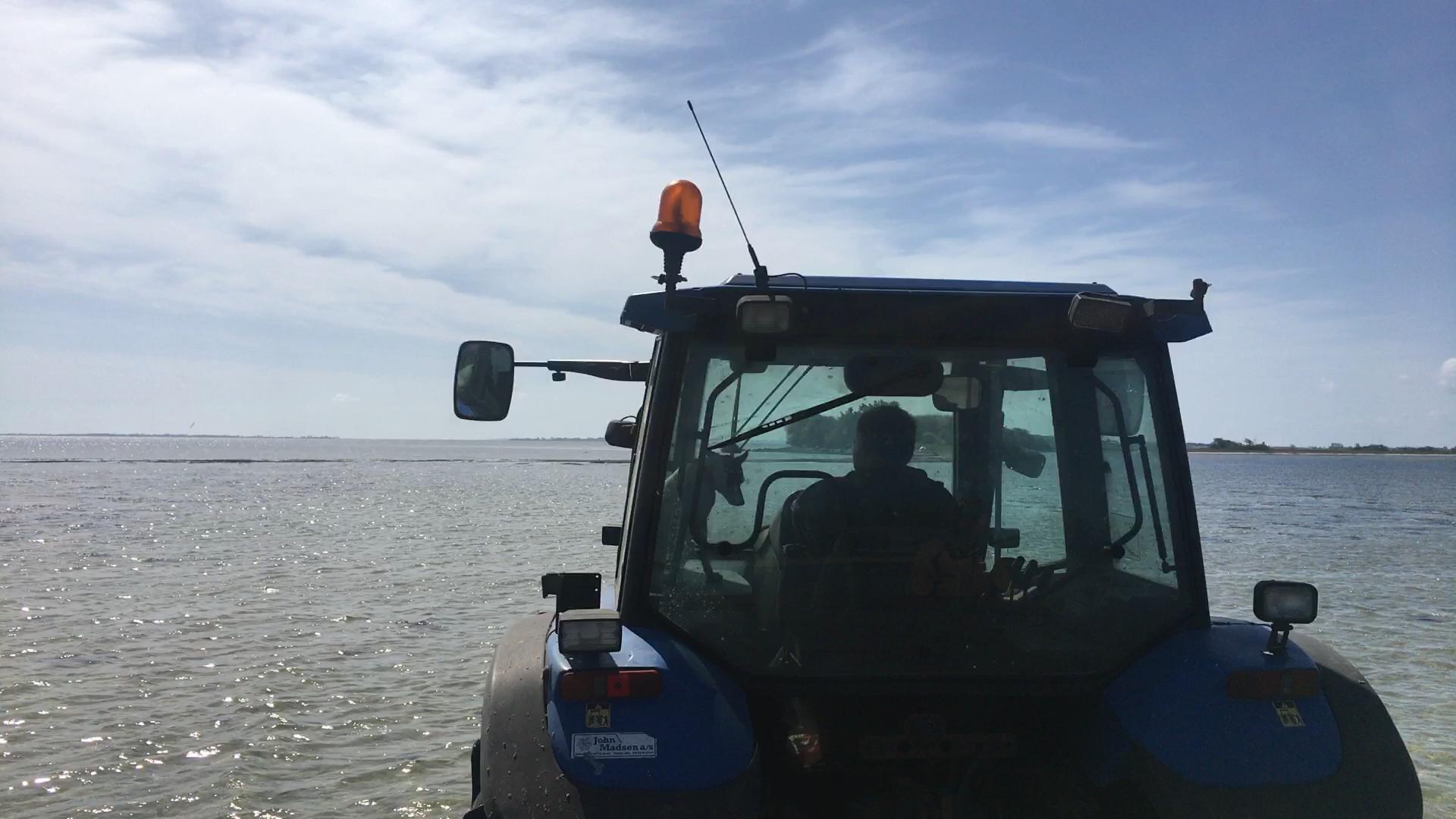 Traktortur til Svelmø