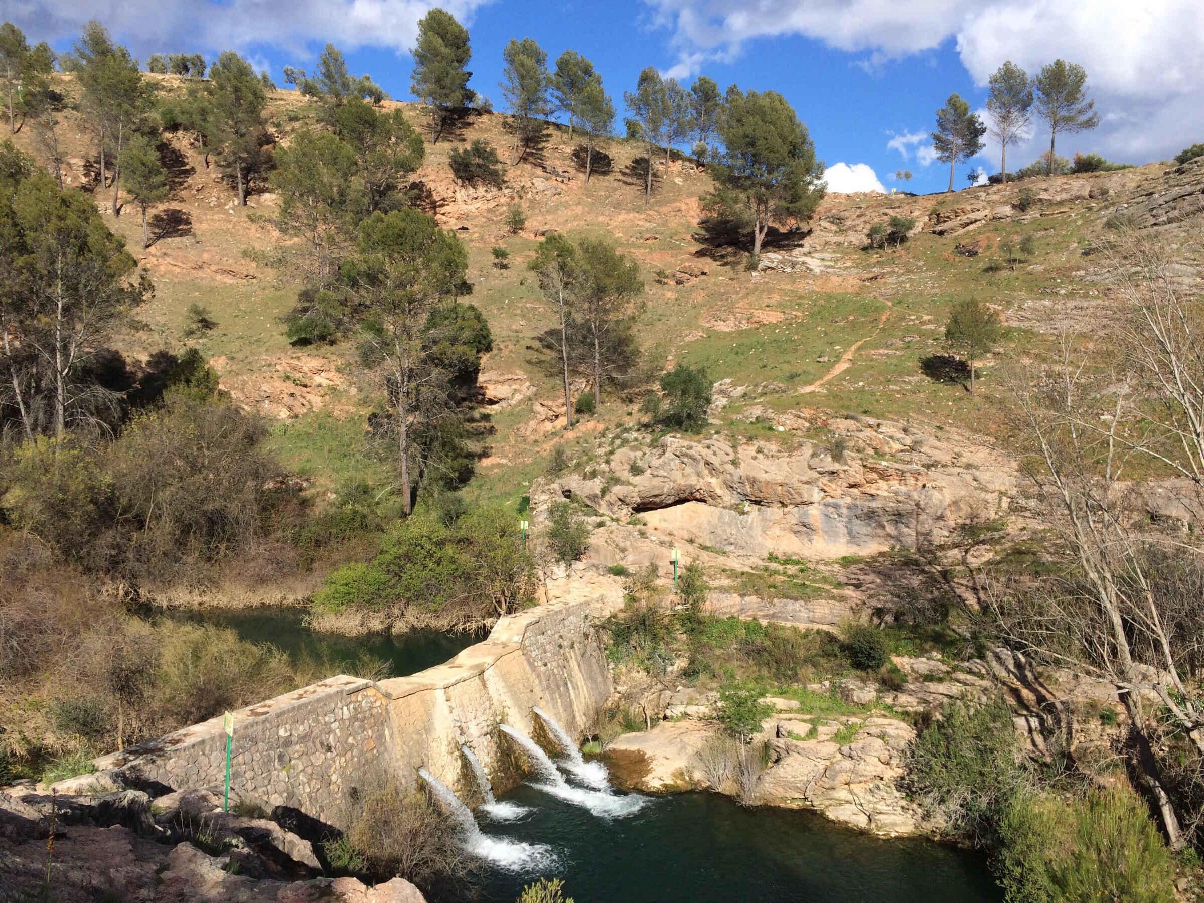 5 km langs Rio Turon