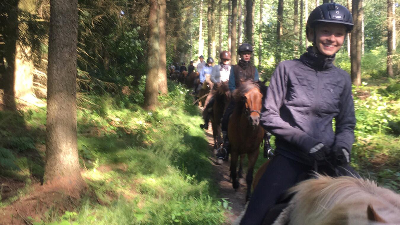 Anden tur på ridelejren